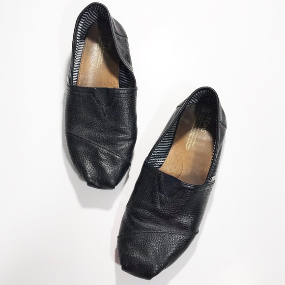 b01f991e1c4 Toms Black Perforated Leather Classics. M 5c523dc5534ef99cb5c766e3